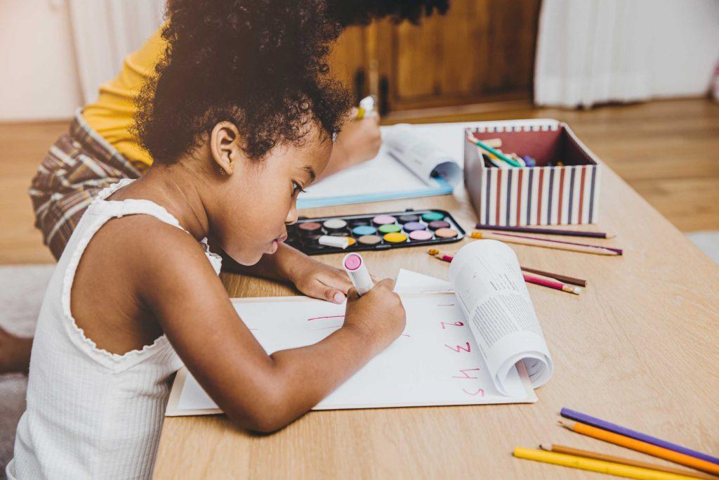 Préparation-Rentree-scolaire-enfant